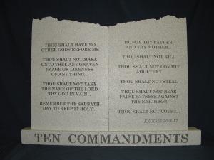 ten-commandments-broken-top-001